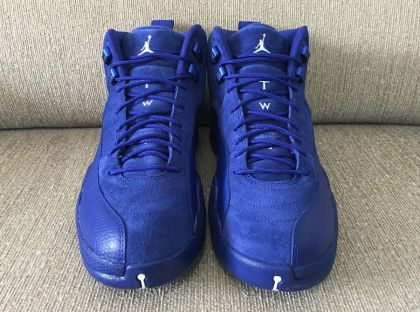 air-jordan-12-royal-suede-2_hsghpf.jpg